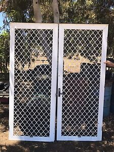 Double fly wire doors Stoneville Mundaring Area Preview