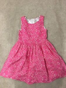 Beautiful dress size 6