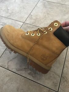 Timberland Youth Boots Size 4