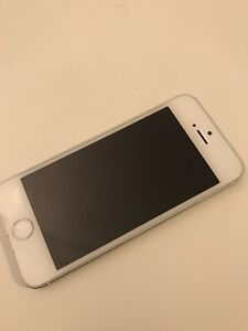 iPhone 5S | White | 16gb | Rogers