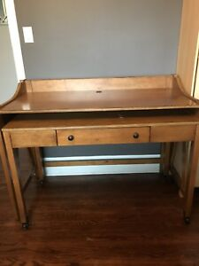 2 piece wooden desk
