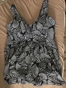 Gorgeous full support swimsuit - plus size, brand new