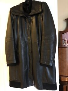 Danier ladies leather jacket in pristine condition