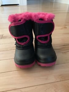 Winter boots, toddler size 5