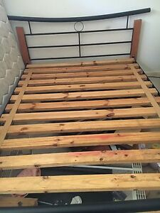 Queen bed with mattress Slacks Creek Logan Area Preview