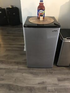 Mini fridge stainless Steele ( Great condition) 5 months old