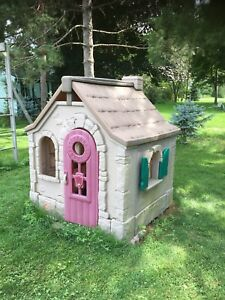 Playhouse - Cottage