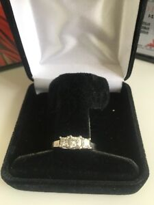 Three diamond Princess Cut Engagement Ring - Canadian Diamonds