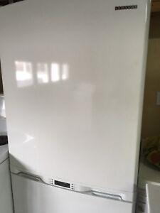 Fridge $800 stove $400