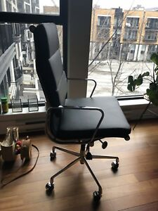 Chaise bureau cuir noir. Office chair black real leather