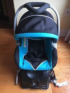 Baby tread car seat with base