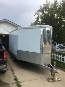 2009 16.5'x8.5' V nose enclosed trailer