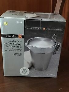 Stainless steel insulated gravy and sauce boat