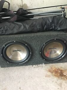 Subwoofer 2- 12 inch insignia with box