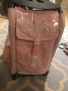 Zuca skating bag with flashing wheels