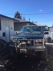 89 chevy jacked up 4X4