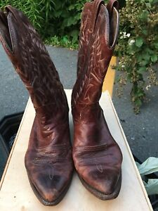 Brown cowboy boots size 9 1/2