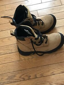 Men's work boots size 7