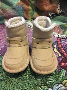 Croc boots sz 4