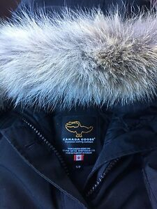 Canada Goose small real very clean