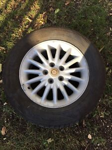 4 Nokian HR2 Winter Tires and Alloy Rims 225/60/16