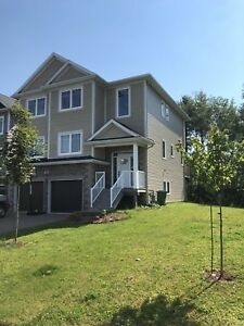 Beautiful single house -  5 Bedrooms - west Bedford
