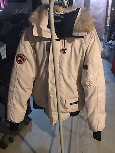 Men's medium Canada Goose bomber