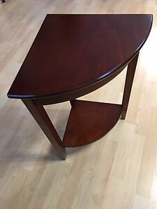 CORNER END TABLE FOR SALE
