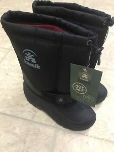 New Kamik winter boots youth size 5