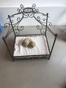 Lit de chien ou chat / Cat or dog bed