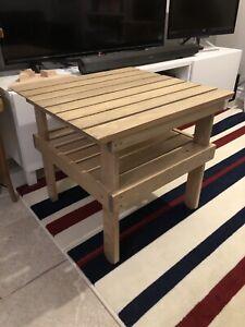 Meuble - table extérieur
