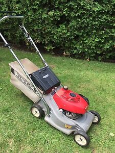 Honda Gas Lawnmower ~HR 173  Starts first pull  Honda engine ~