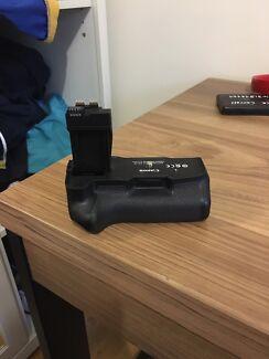 Brand new canon battery grip- BG-E8