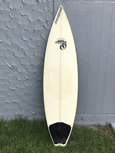 "Surfboard 5'11"" BeachBeat"