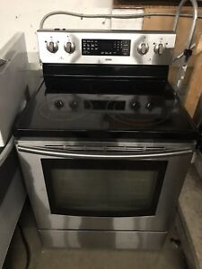 Working Samsung Stove. Great Condition