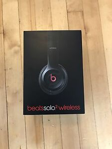 Beats Solo2 On-Ear Wireless Headphones - Black