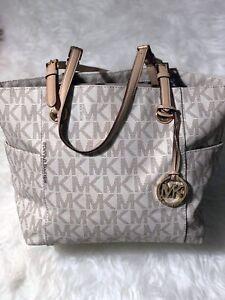 Michael kors purse for sale!!!!!!
