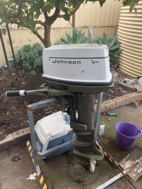 20hp outboard (bad compression) make an offer | Boat Accessories