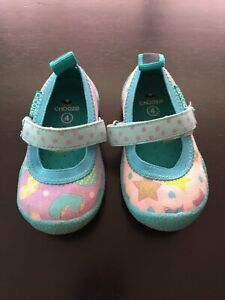 Chooze brand toddler shoes size 4