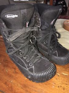 Snow Boarding boots size 8 ladies