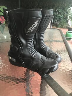 Motorcycle leather boots size 44