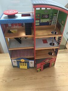Playhouse/ fire station