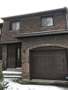 Four bedrooms townhouse Pointe Claire near Kuper
