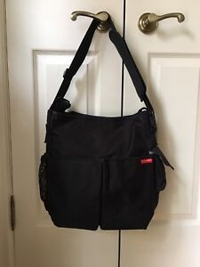 Skip Hop diaper bag - Dash Signature Black