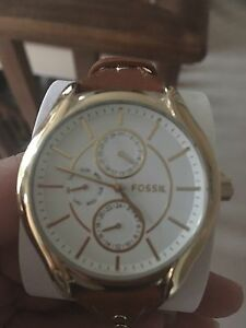 Brand new fossil watch gold hardware on tan leather straps