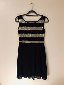 Black and gold sequin dress - small