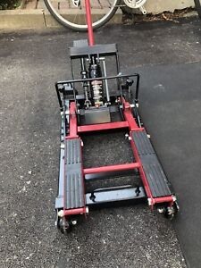 Mastercraft Motorcycle Jack - 1500 lbs capacity- new used once