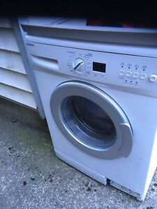 "Bloomberg 24"" apartment stacking washer/dryer set"