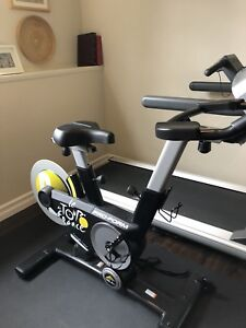 Cycle exercise spinning bike