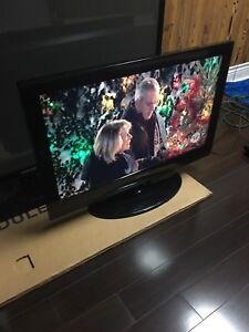 """SAMSUNG 32"""" FLATSCREEN TV ONLY $90"""